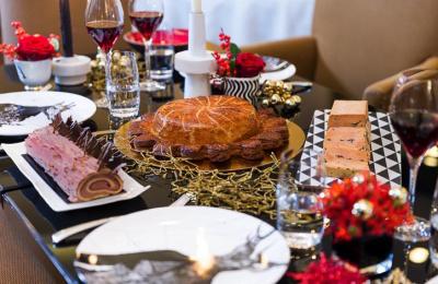 Christmas box by Burgundy