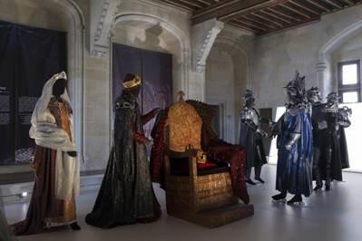 Armures, hennins et crinolines au Château de Pierrefonds