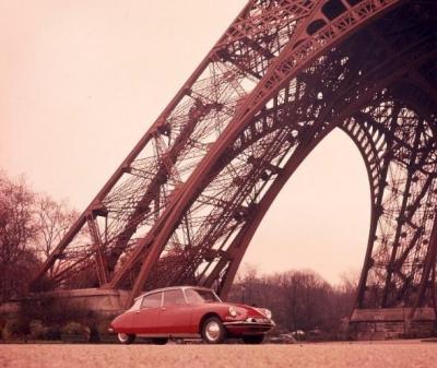 DS - Tour Eiffel