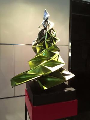 Les Sapins de Noël des créateurs, l'expo-vente au Théâtre des Champs-Elysées