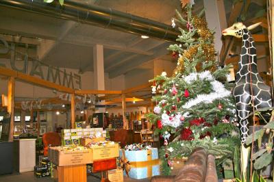 La grande vente solidaire de cadeaux de Noël d'Emmaüs Défi