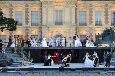 Les Noces de Figaro dans la Cour des Invalides, opéra en plein air