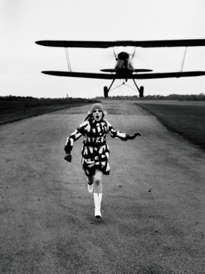 Helmut Newton, Grand Palais, British Vogue, Londres, 1967 © Helmut Newton Estate