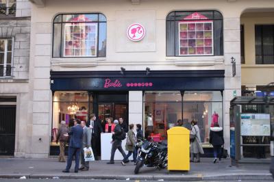 Barbie Factory à Paris : ateliers créatifs, cinéma et bar