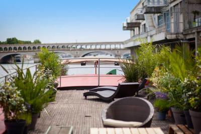 Les terrasses sur péniche à Paris