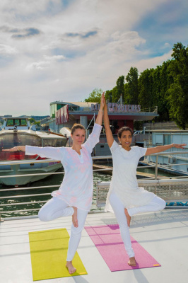 yoga bateaux mouches