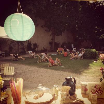 Caf hej for Jardin lazare rachline rue payenne paris 3eme