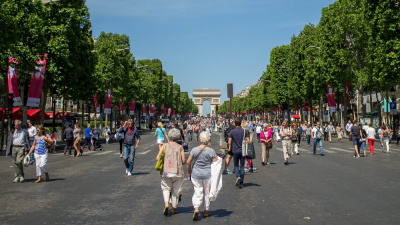 Les Champs-Elysées réservés aux piétons un dimanche par mois