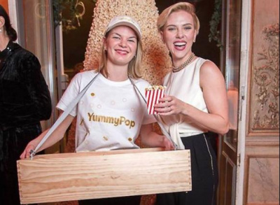 Yummy Pop à Paris : Scarlett Johansson ouvre une boutique de pop corn dans le Marais
