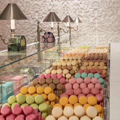 Macaron only dans la nouvelle boutique Ladurée