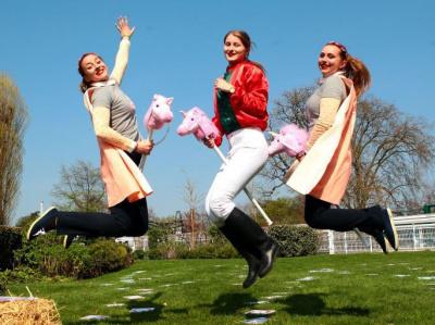 Chasse aux oeufs de Pâques à l'hippodrome d'Auteuil