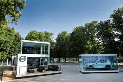 Volvo investit le Jardin des Tuileries avec son shoowroom digital