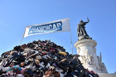 Pyramide de chaussures 2017 à Paris, changement de date !