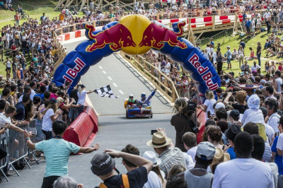 La Course de Caisses à Savon Red Bull au Domaine de Saint Cloud