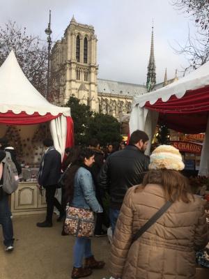 Le march de no l 2017 de notre dame de paris - Marche de noel de paris ...