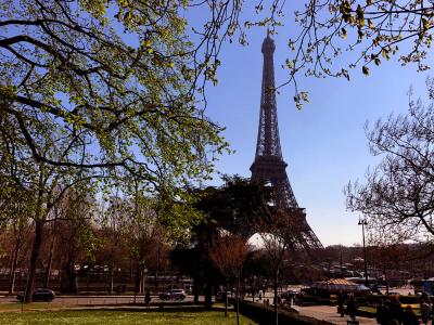 Un concours international lancé pour réaménager le site — Tour Eiffel