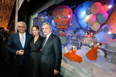 Inauguration des Vitrines de Noël du Printemps 2012 avec Marion Cotillard