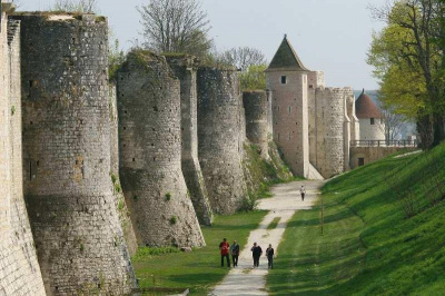 Chasse aux oeufs Médiéval à Provins pour Pâques 2013
