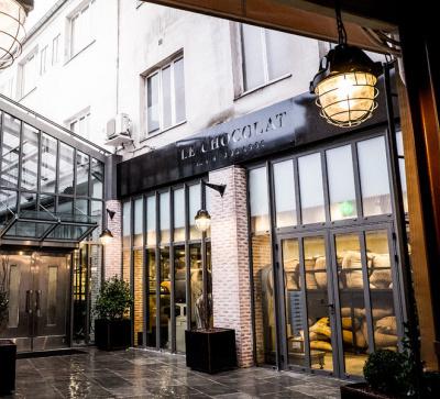 La chocolaterie alain ducasse la manufacture paris for Hotel rue de la roquette