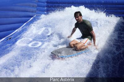 Lutèce plage de retour au Parc Astérix avec le surf