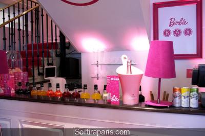 Le Barbie bar débarque à Paris