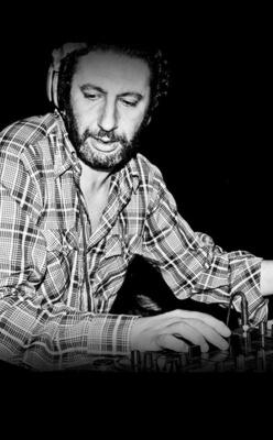 Versatile Label Night au Batofar avec DJ Sotofett