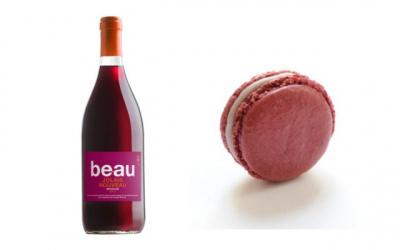 Le Beaujolais Nouveau 2013 arrive chez Nicolas avec un macaron au Beaujolais