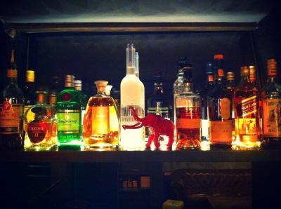 Le Mammouth Bar : club & cocktail bar à Paris