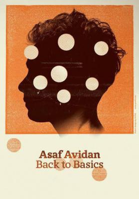 Asaf Avidan en concerts acoustiques aux Folies Bergère de Paris en 2014