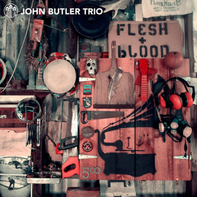 John Butler Trio en concert à l'Olympia de Paris en juillet 2014