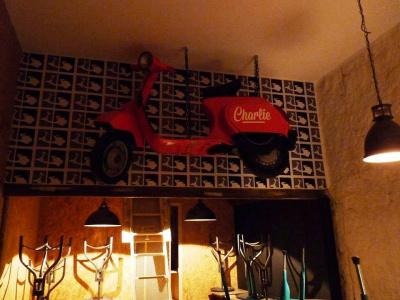 Charlie : le bar où la bière est à 2 balles
