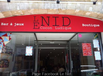 Le Nid : premier bar à jeux de société à Paris