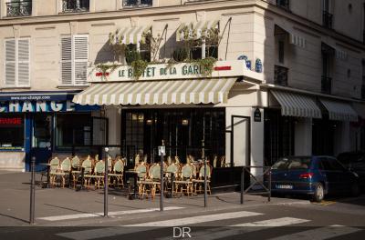La terrasse du Buffet de la Gare et ses jus de fruits frais maison