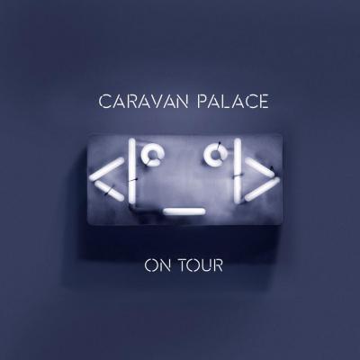 Caravan Palace en concert à l'Olympia de Paris en novembre 2015