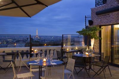 Feu d'artifice du 14 juillet 2015 depuis le Restaurant-Bar du Terrass'' Hôtel
