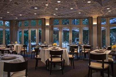 Le Relais du Parc : le restaurant de l'Hôtel Renaissance Le Parc Trocadéro