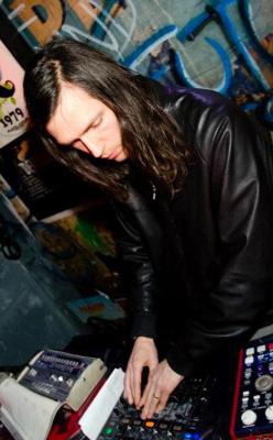 Klasse Label Night au Batofar avec DMX Krew
