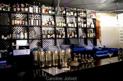 Le Coq : la recette d'un bar à cocktail explosif à Paris