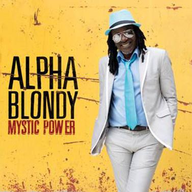Alpha Blondy en rencontre dédicace à la Fnac Montparnasse