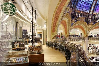 Un salon de café Starbucks s'installe aux Galeries Lafayette