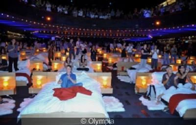 À l'Olympia, en 2010, soirée au lit