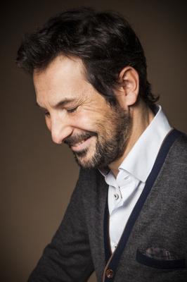 Régis Mailhot dans Reprise des Hostilités au Théâtre Victor Hugo