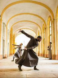 La figure du gisant, spectacle de danse à la Basilique Saint-Denis