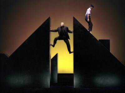 Les Sept Planches de la ruse au 104 : danse, cirque et théâtre