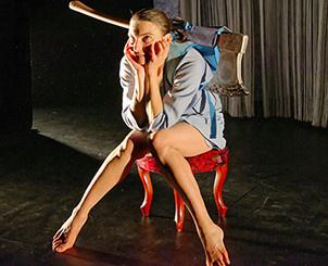 Souliers rouges au théâtre Dunois