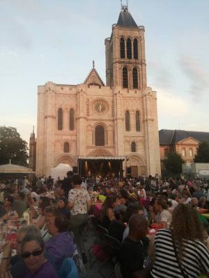 Pique-nique concert devant la Basilique de Saint-Denis 2016