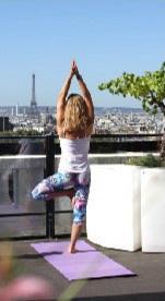 """Yoga sur le rooftop du Terrass"""" Hotel"""