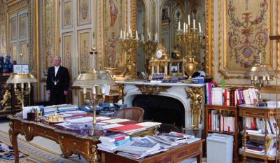Laurent Grasso nous fait visiter l'Élysée à la galerie Perrotin
