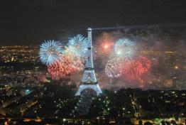 Feu d'artifice du 14 juillet 2017 à la tour Montparnasse