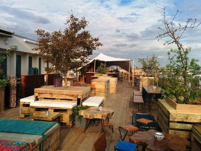 le perchoir du marais au rooftop du bhv. Black Bedroom Furniture Sets. Home Design Ideas